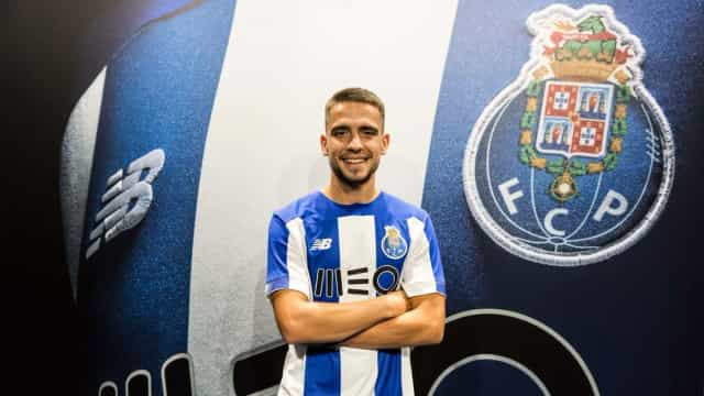 Oficial: FC Porto renova com Luís Mata