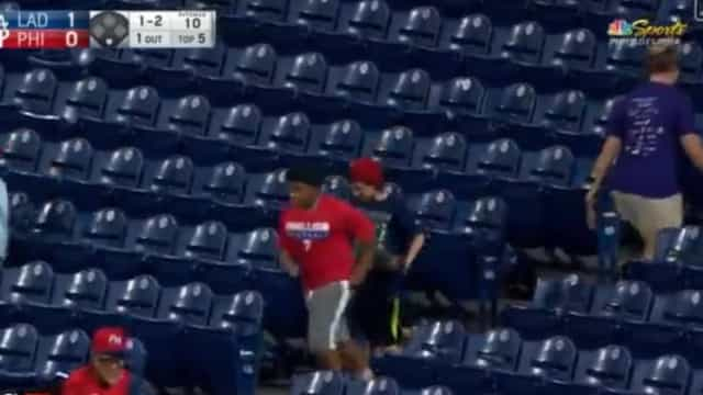 Mundo do desporto fala e muito do gesto deste menino num jogo de basebol