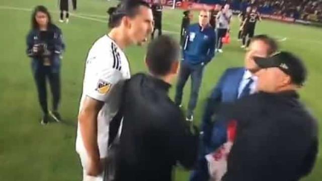 Ibrahimovic 'pega-se' com treinador adjunto do Los Angeles FC