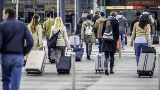 Candidaturas ao programa de apoio ao regresso de emigrantes arrancam hoje
