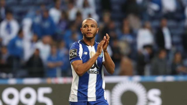 Brahimi rumou ao Qatar, não sem antes se despedir dos adeptos do FC Porto