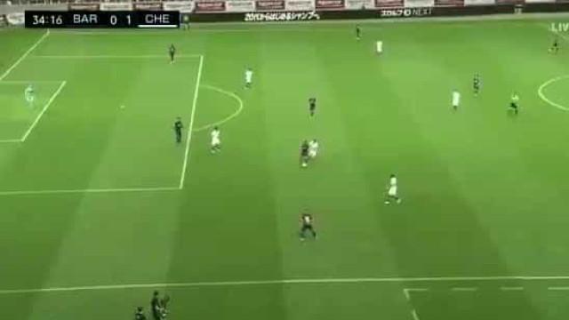 Erro infantil da defesa do Barcelona dá primeiro ao Chelsea