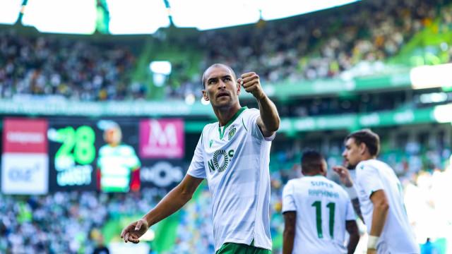 Oficial: Sporting anuncia pré-acordo para venda de Bas Dost
