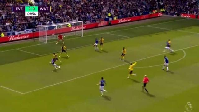 Bernard abriu o livro e colocou o Everton em vantagem diante do Watford