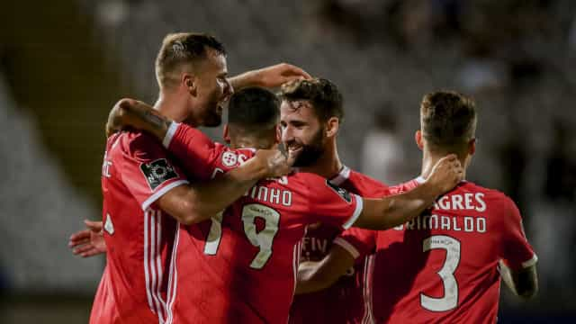 Suspeitos do costume garantem triunfo do Benfica no Jamor