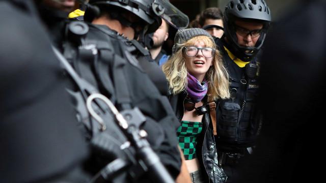 Seis feridos e 13 detidos em manifestações no noroeste dos EUA