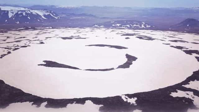 Islândia assinala desaparecimento de glaciar devido a aquecimento global