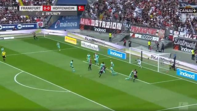 Frankfurt estreia-se na Bundesliga com um golo 'tesoura' aos 35 segundos