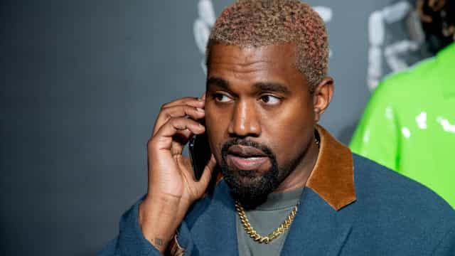 E esta? Kanye West quer juntar Khloé Kardashian com Brad Pitt