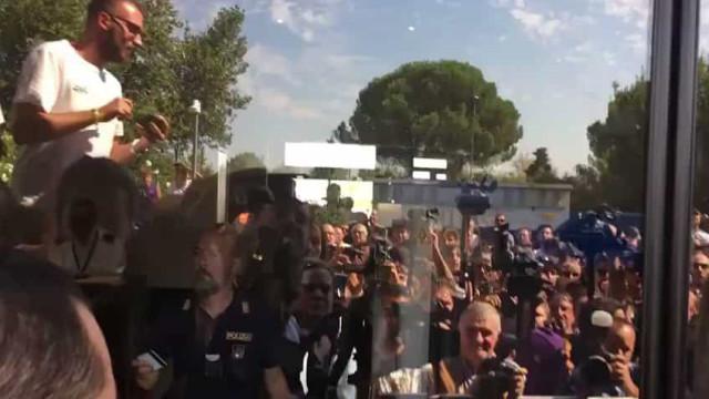 Adeptos da Fiorentina enlouquecem com a chegada de Ribéry