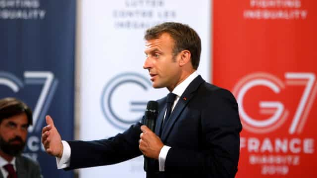 """Amazónia: Macron apela a """"mobilização de todas as potências"""" para ajudar"""