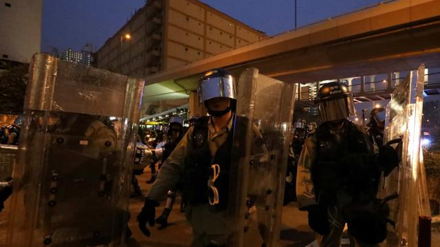 Polícia de Hong Kong anuncia detenção de 29 pessoas no protesto de sábado