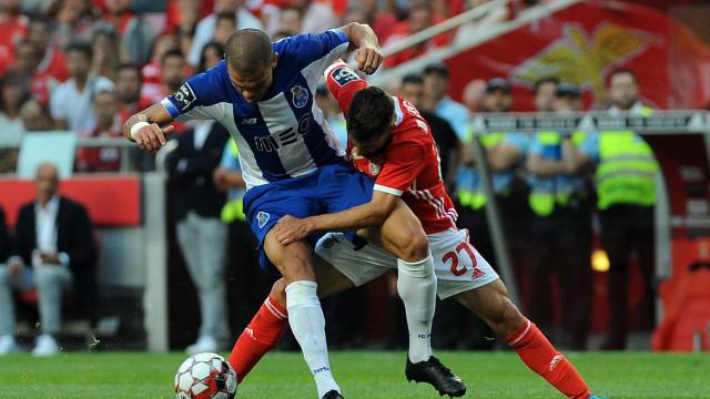 """""""Benfica tira dragão do precipício"""": O que dizem lá fora sobre o Clássico"""