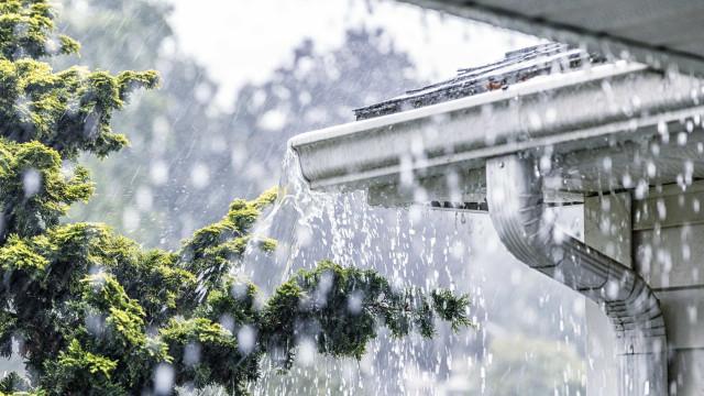 Verão? Cinco distritos sob aviso laranja devido à chuva e trovoada