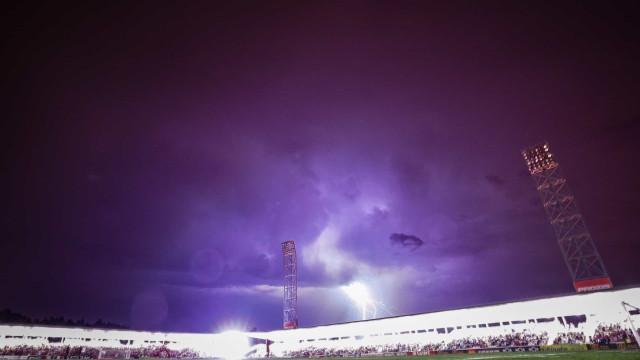 As melhores imagens de um apagão que interrompeu o Gil Vicente-Sp. Braga