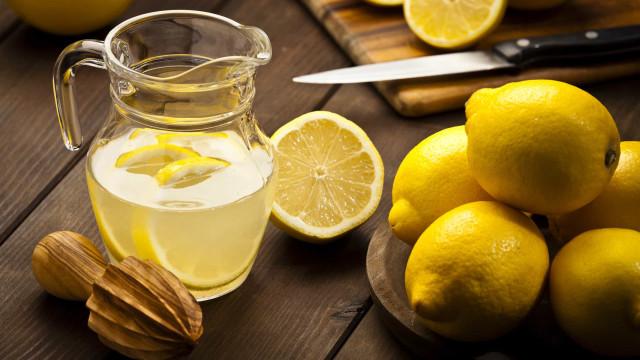 Saiba como retirar mais sumo de um limão