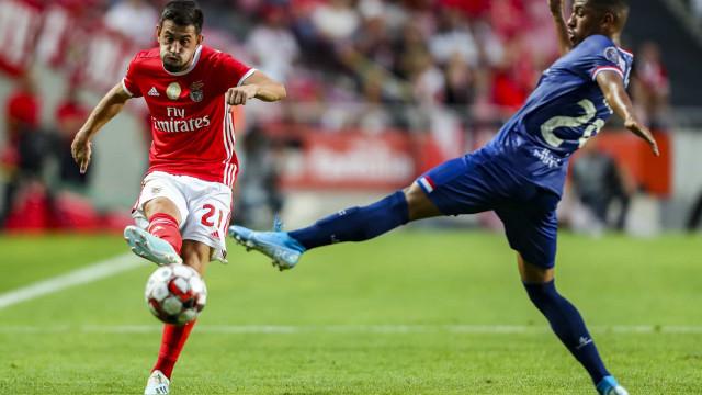 Com ou sem vinho, Benfica digeriu o galo e voltou a sorrir na Luz