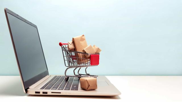 Se vai usar o cartão para uma compra online, eis como se manter seguro