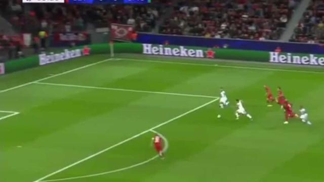 Assistência de João Mário para o primeiro golo do Lokomotiv na Champions