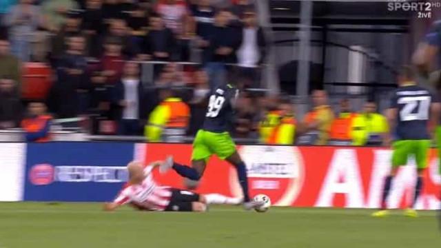 Bolasie sofreu penálti e Bruno Fernandes não desperdiçou