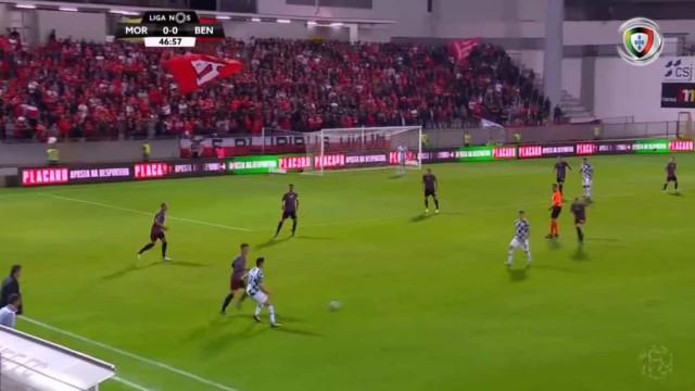 Três minutos da segunda parte e Moreirense marcou ao Benfica