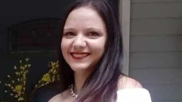 Portuguesa morta à facada por marido nos EUA. Filho de 11 anos assistiu