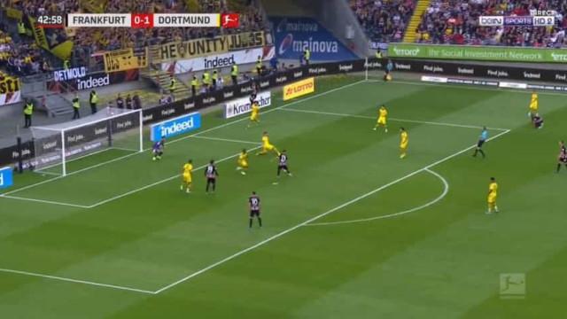 Ao terceiro jogo, o primeiro golo oficial de André Silva pelo Eintracht
