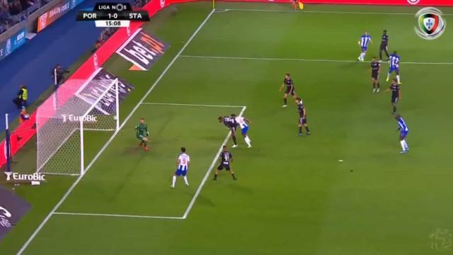Zé Luís precisou de 15 minutos para desfazer o nulo no FC Porto-St. Clara