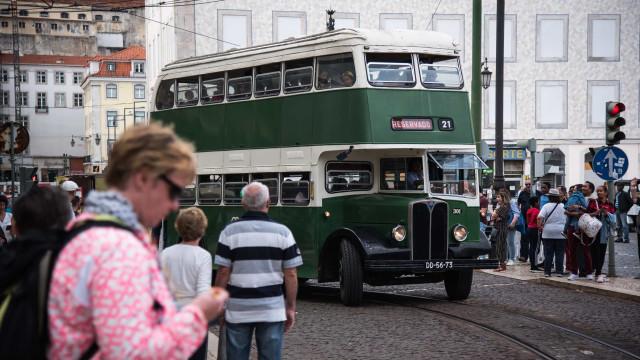 Viaturas históricas da Carris saíram à rua em Lisboa. Veja as imagens