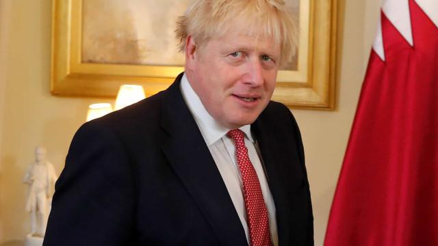 Irão rejeita acusação de Boris Johnson sobre ataque a petrolífera saudita