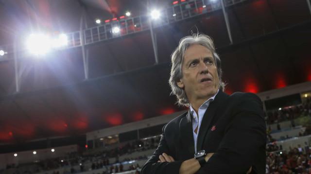 Adeptos do Flamengo dedicam uma música dos Beatles a Jorge Jesus