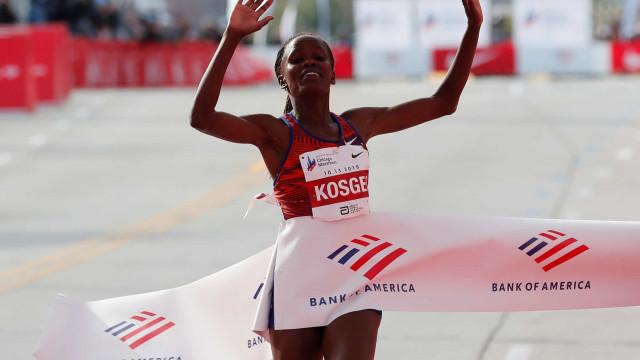 Há novo recorde do mundo feminino na maratona... 16 anos depois