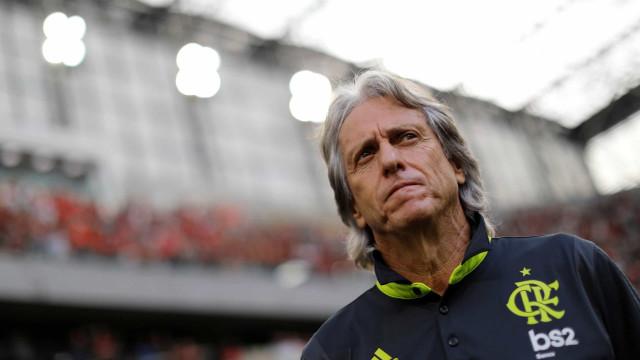 Flamengo vence e Jesus 'esfrega as mãos' com escorregadela do rival
