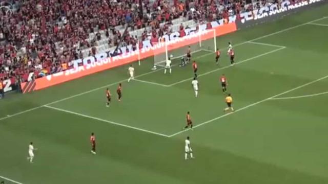 Bruno Henrique fechou triunfo do Flamengo com um toque de classe