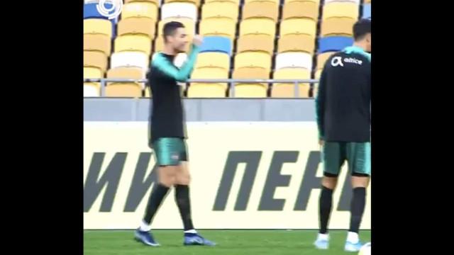 Até num treino da Seleção Ronaldo leva as coisas muito a sério