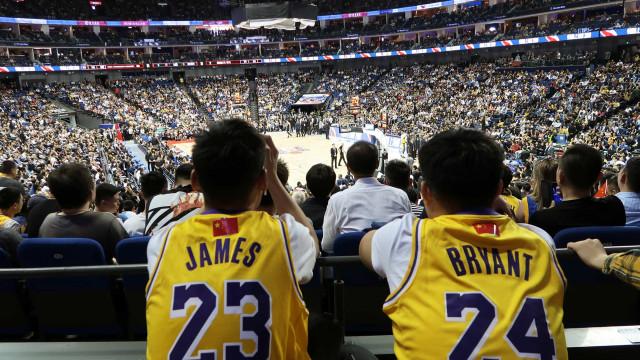 NBA esteve na China e estas imagens provam que foi uma verdadeira loucura