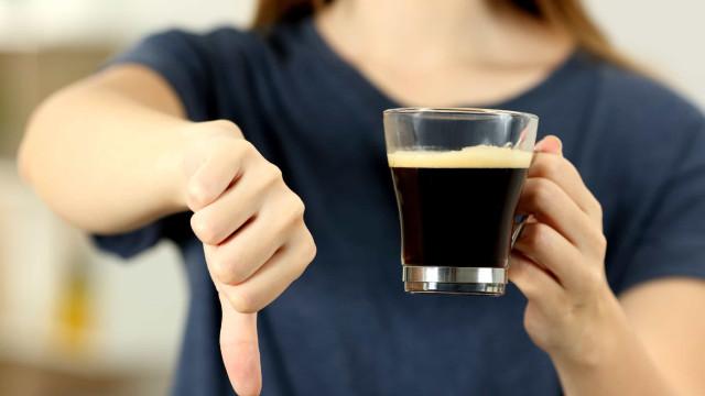 Saiba como manter-se alerta e de bom humor sem recorrer ao café