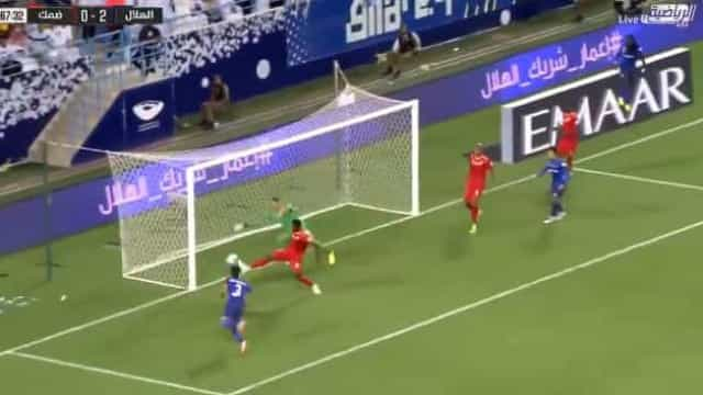 Carlos Eduardo (lembra-se dele?) selou assim a vitória do Al Hilal