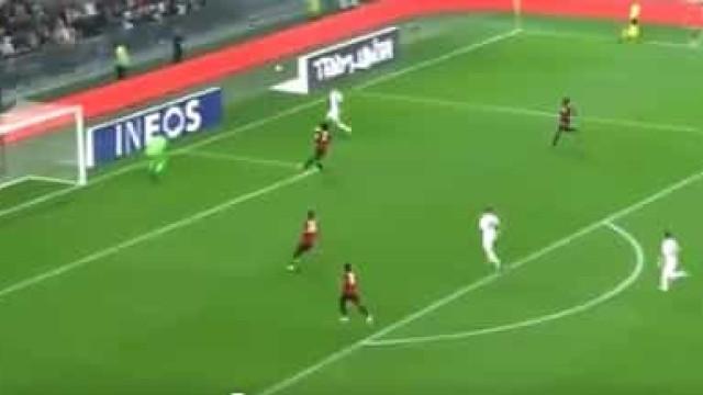 'De se tirar o chapéu': Di María volta aos grandes golos na Liga francesa
