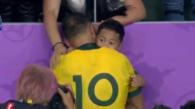 As lágrimas deste jogador de râguebi junto ao filho já correm mundo