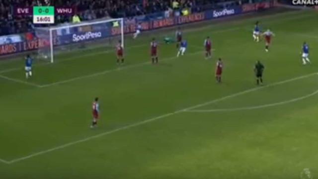 Primeiro golo do Everton nasce de um drible monumental de Bernard