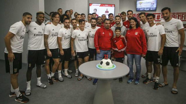 Plantel do Benfica recebe visita especial após vitória na Taça