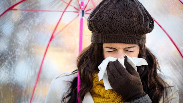 Evite estes hábitos para fugir às constipações