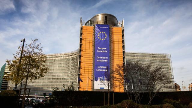 """Bruxelas pede atualização do OE o """"mais breve possível"""". E deixa alerta"""