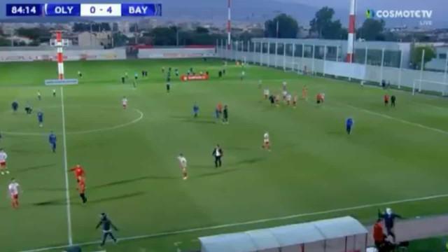 Youth League: Olympiakos-Bayern suspenso. Pelo menos quatro feridos