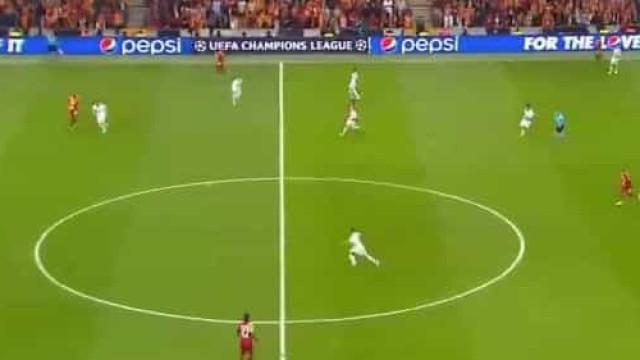 Real dá show em Istambul: Esta triangulação acabou no golo de Kroos