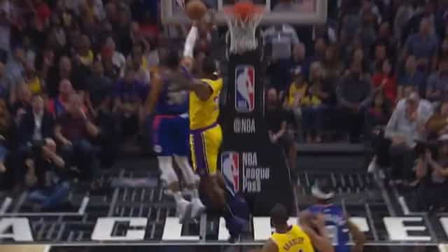 NBA regressou e LeBron James já faz disto aos adversários