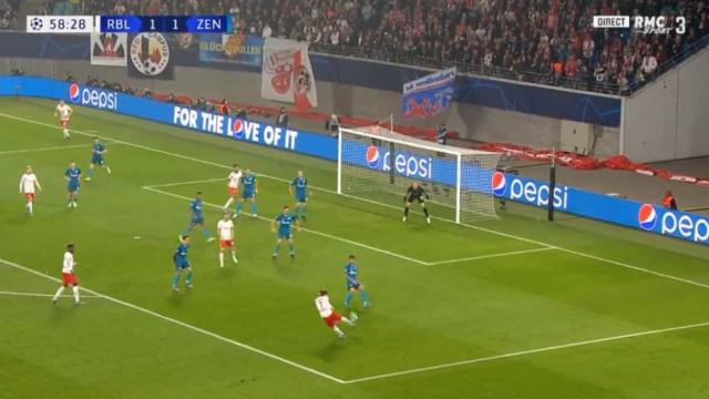 Atenção, Benfica: Sabitzer assina um dos golos do ano na Champions