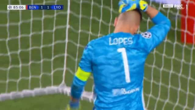 Que erro colossal de Anthony Lopes: Guarda-redes serviu Pizzi para o golo