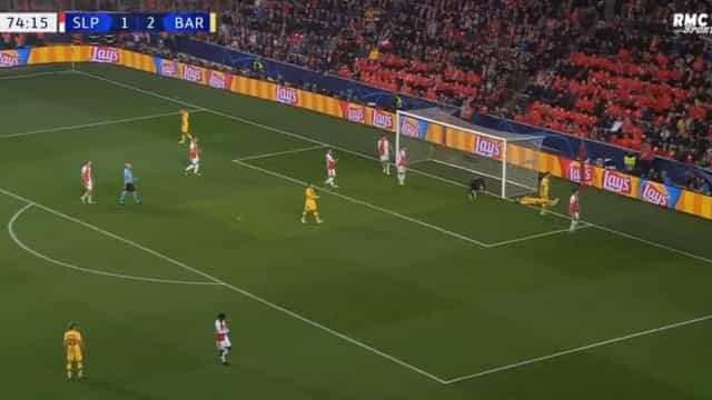 Não é possível... Messi falhou um 'golo cantado' à boca da baliza